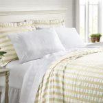Lightweight Bedspreads & Bedding