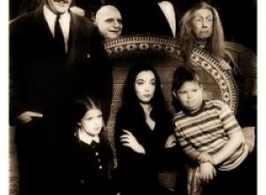 Creepy Addams Family Costumes for Halloween